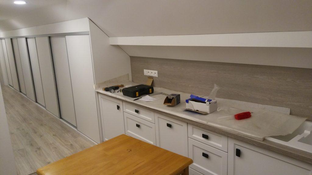 Kuchyne a skrine